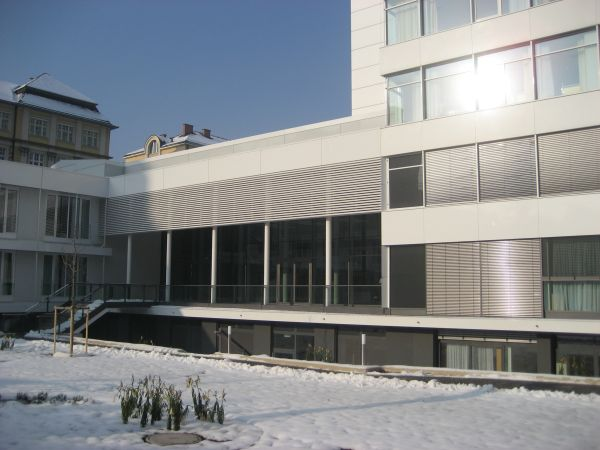 Neubau Klinikum Linz, H-Bau Haupteingang und Küche